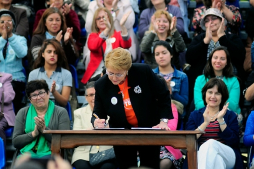bachelet_mujeres_816x544